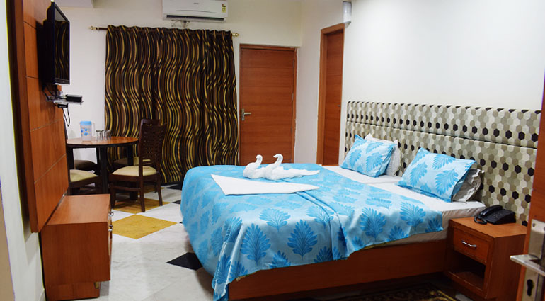 A/C Triple Bed  Room